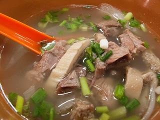 060 牛腩汤- beef brisket soup
