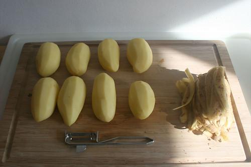 15 - Kartoffeln schälen / Peel potatoes
