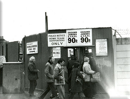 Old picture of Selhurst Park ticket office
