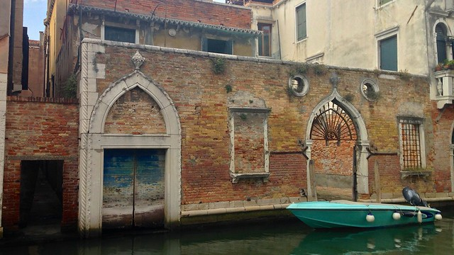 Venetian Waterside Courtyard