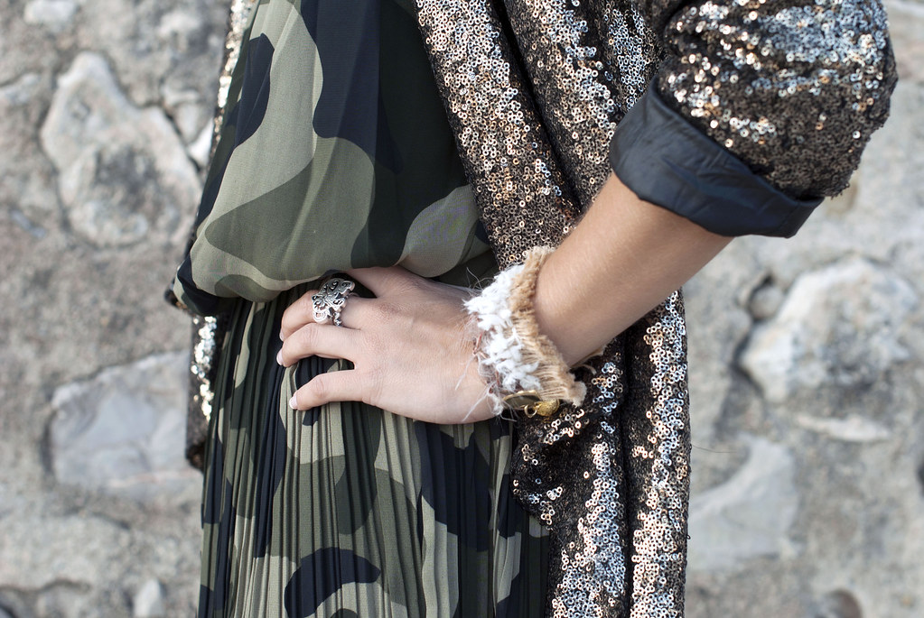 SEQUINS blazer & CAMO dress | theguestgirl 04
