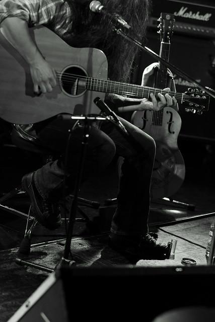 O.E. Gallagher (solo) live at Adm, Tokyo, 15 Oct 2014. 042