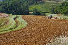 Harrowing the fields in Peyrefitte - Photo of Peyrefitte-sur-l'Hers