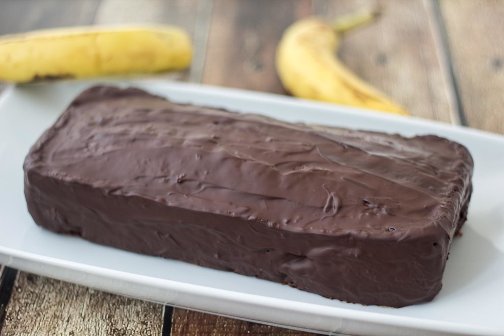 Recipe for Homemade Banana Cake with Chocolate