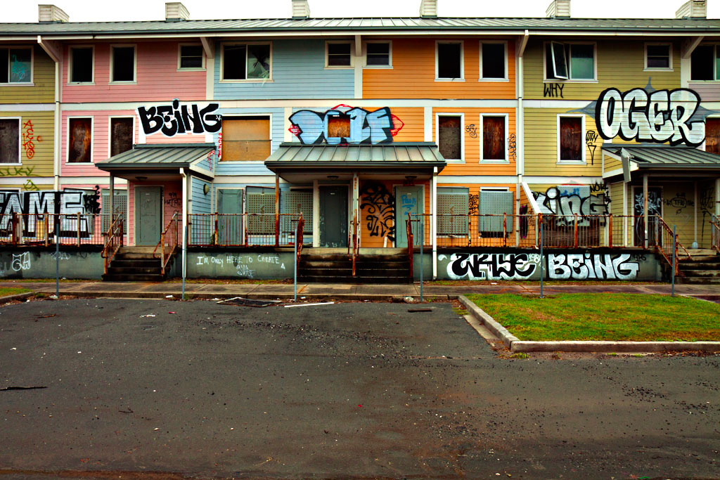 Public-housing-ruined-by-Katrina--New-Orleans-3
