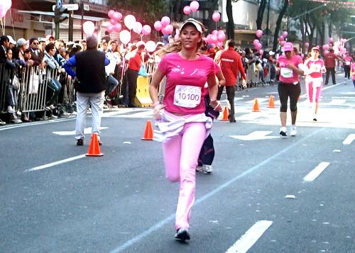 Ines Sainz en la carrera Avon 2010