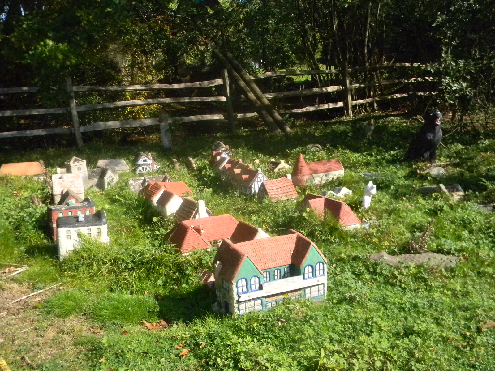 Miniature village Stonegate Circular