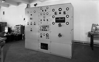 A  1kW B-modulated radio transmitter made in Yleisradio's workshop during 1940-1944.