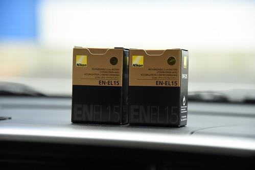 Nikon D750、バッテリーの持ちがあまり良くない(Wi-Fi使えるからか)気がしたので予備バッテリーを2個購入。電池切れたら意味ないし。