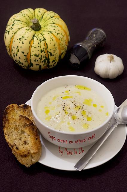 Supa crema cu usturoi copt (1)
