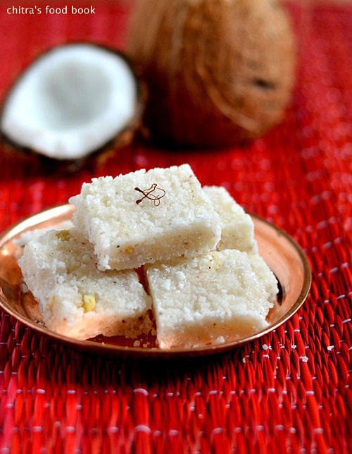 Coconut burfi/Thengai burfi recipe