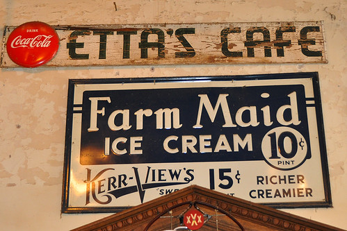 travel usa texas icecream jefferson jeffersontx oldadvertisments vintageadvertisingsigns farmmaid kerrviews icecreamadvertisment