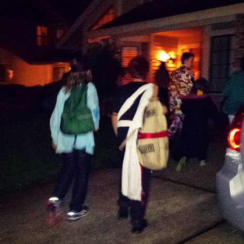 Trick-or-treating pictures can never capture the magic of Halloween night. Here's my Gaara and his friends, and my Harry Potter.   #autumn #halloween #harrypotter #gaaraofthesand #7yearold #12yearold