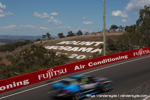 V8 Supercars Bathurst 1000 - 2014