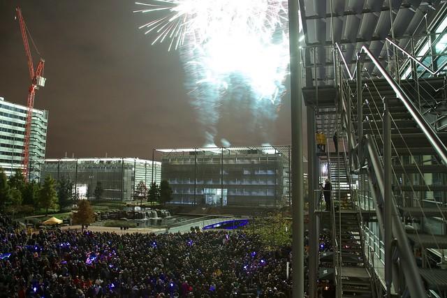 Chiswick Park Fireworks 2014b