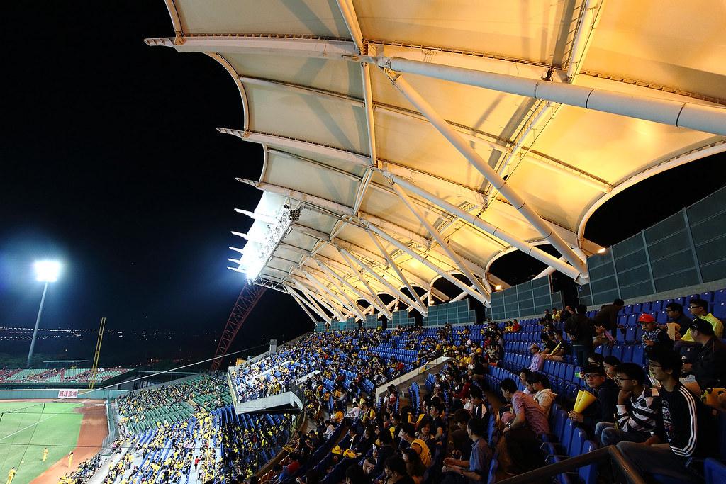 臺中洲際棒球場