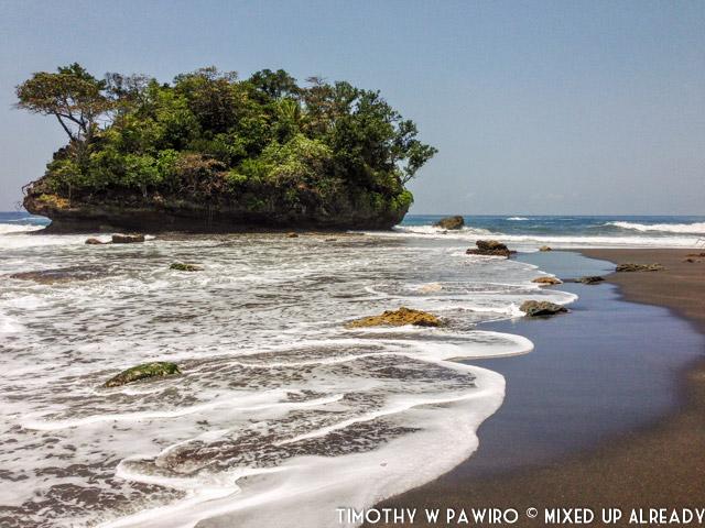 Indonesia - Pangandaran - Batukaras - Pantai Madasari (01)