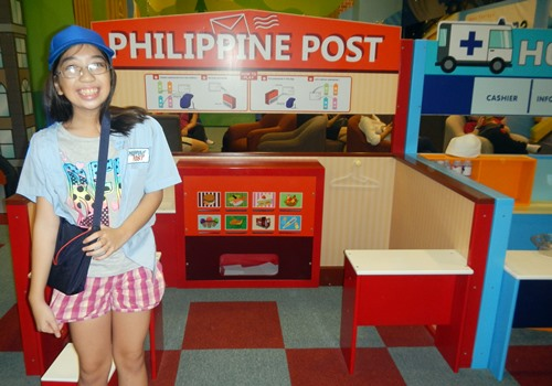 Kidzooona-role-play-postmaster,Kidzooona-Robinsons-Galleria,educational-center, Kidszooona, Robinsons-Galleria, role play, fee, card-game,amusement-kids,Kidzoona-Manila, Kidszooona-AEON-Fantasy-Japan, Kidszooona Philippines