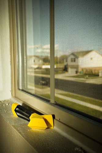161031-scraper-window-seals-caulking.jpg | by r.nial.bradshaw