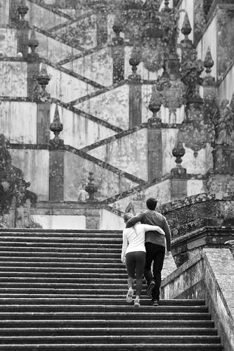 stone stairs couple stairway monte casal pedra braga escadaria bomjesus granito bomjesusdomonte bomjesusdebraga unusualviewsperspectives