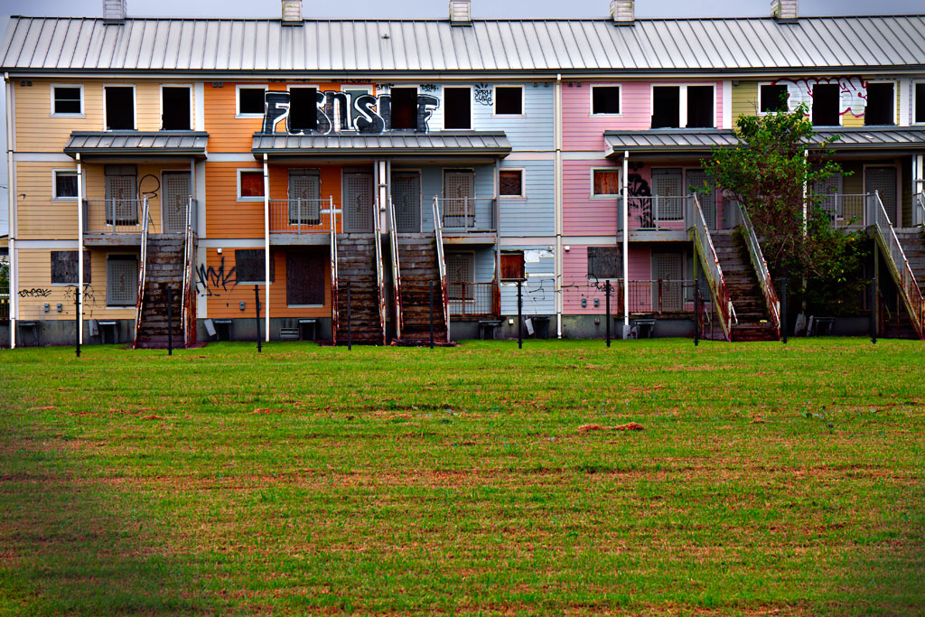 Public-housing-ruined-by-Katrina--New-Orleans-6