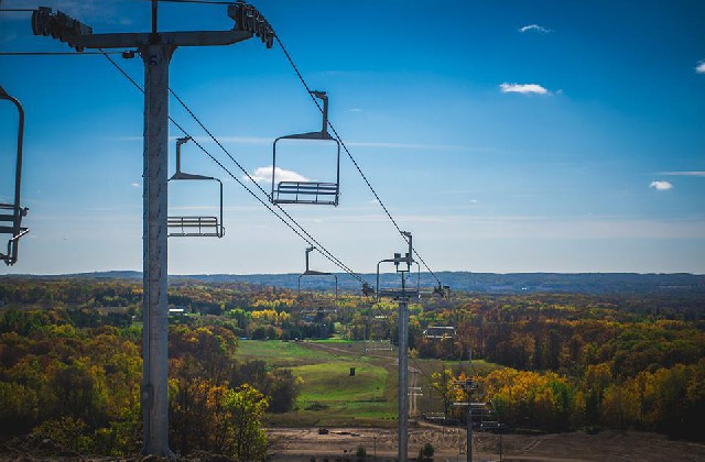 Detroit Mountain's new chairlift construction