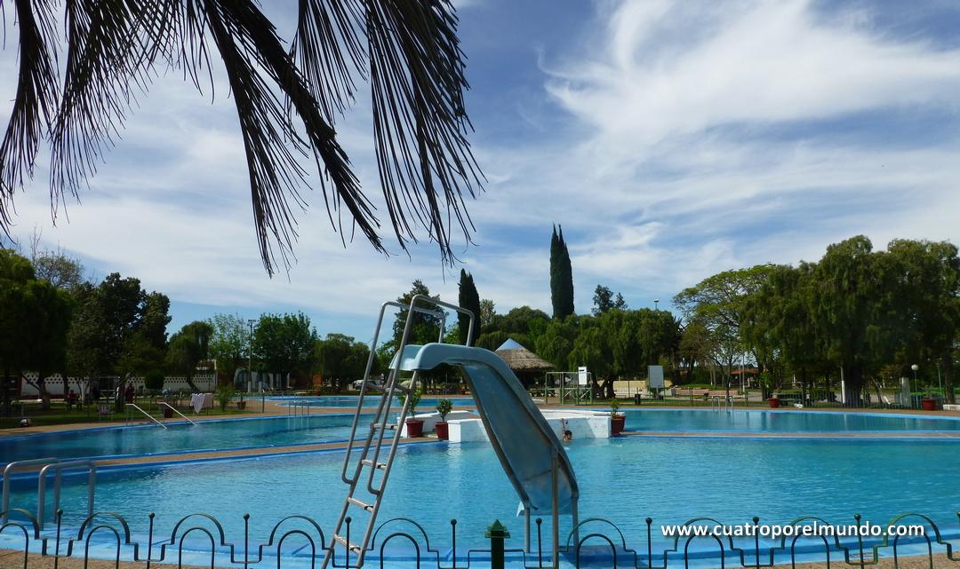 Vista general de la zona de las piscinas de Guaviyu