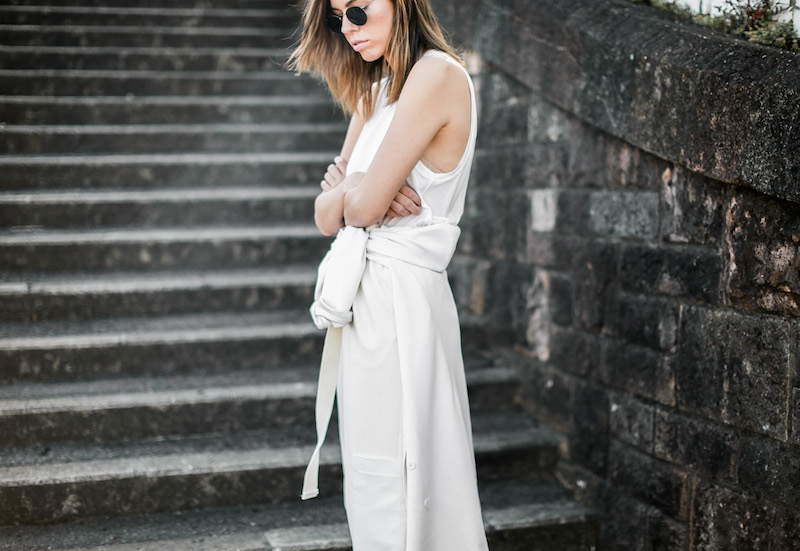 modern legacy fashion blog street style all white suit Bassike slouch pants T Bar Mode Collective heels muscle tank work office wear (8 of 11)