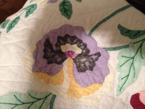 Lee Ward's Pansy kit quilt #08-90541