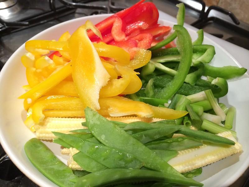 Sizzling Beef Teriyaki : Slice the peppers