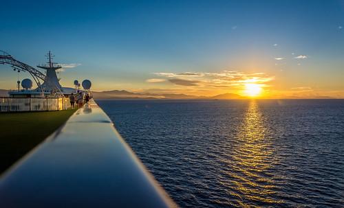morning cruise seascape sunrise dawn nikon ship po pearl newcaledonia nouvellecaledonie lightroom topdeck noumea clearskies provincesud d7100 southprovince christopheroberthervouet