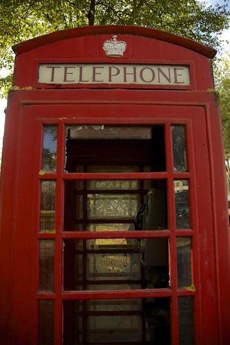Chiswick High Road Telephone 2