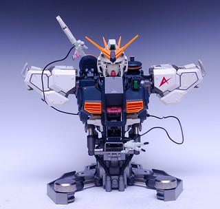 【玩具人'杜少'投稿】開盒介紹—FORMANIA RX-93 Nn鋼彈 半身胸像