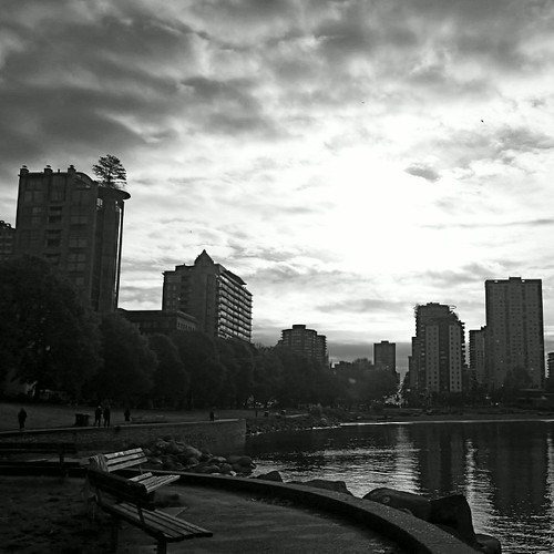 Suns trying to break through on this Sunday Morning in Vancouver . #sun #Sunday #b&w #englishbay #westend #frenweh #wanderlust #travel #foodie #foodporn #vagabond #explorer #traveler #passport #grateful #entrepreneur #vancouver #Canada #bangkok #lumia1020