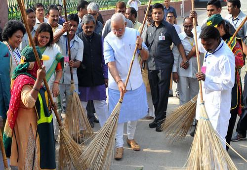 Image result for स्वच्छ भारत अभियान नरेंद्र मोदी