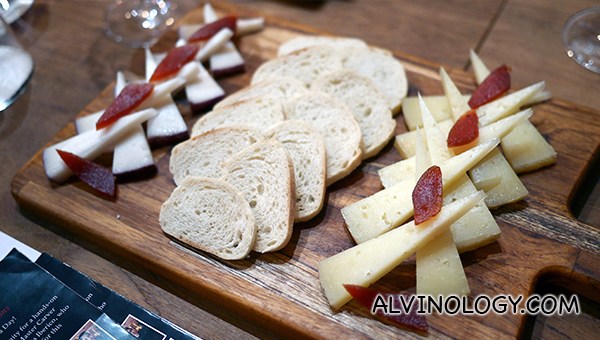 Cheese platter to go with jamon