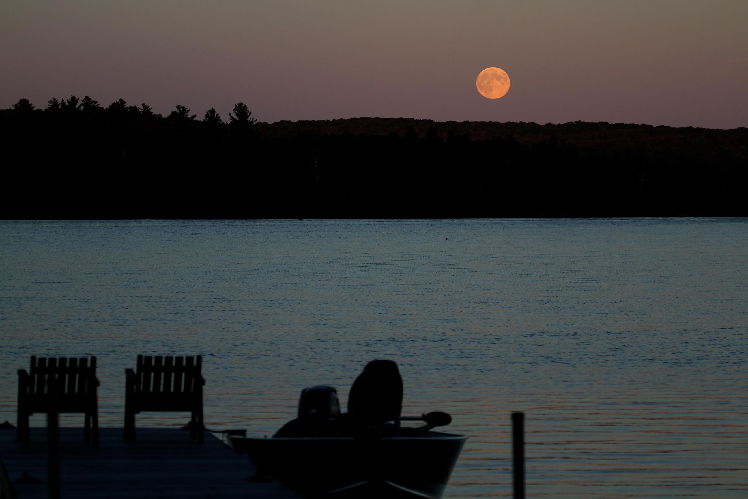 moon rising 4