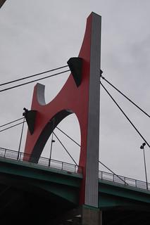 037 Arcos rojos