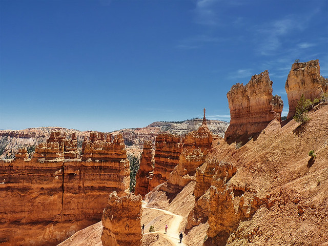 Hiking down into Bryce