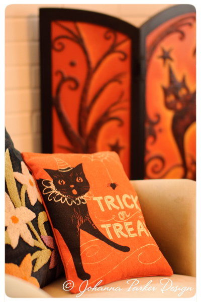 Halloween-Trick-or-Treat-Bag-Pillow