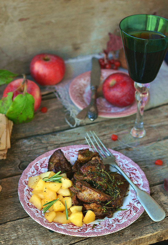fried chicken liver with spicy herbs and stewed apples.11