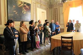 la preside, i genitori e alcuni impiegati comunali