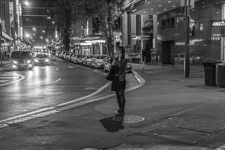 Imagen de Chinatown. people blackandwhite bw white black night canon person blackwhite unsafe chinatown sydney 600d