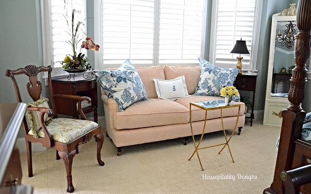 Master Bedroom Sitting Area-Housepitalty Designs