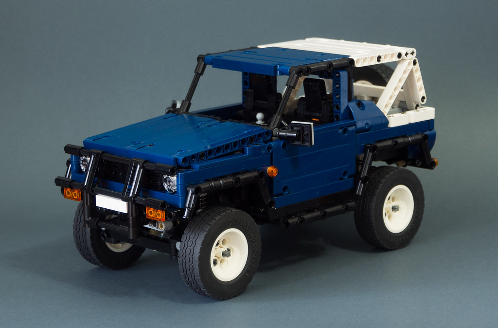 LEGO Suzuki Samurai 4x4 by Piterx MOD