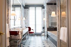 La-Reserve-Paris-Suite-Bathroom-4