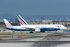 B-18007  Boeing  B777-309[ER]  CAL  KLAX  20161017  005