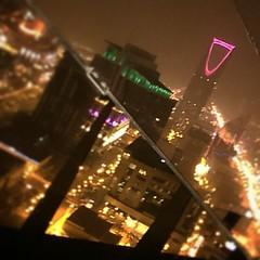 إنعكاس #برج_المملكة من #برج_الفيصلية. #الرياض  The #KingdomTower as seen from #AlfaisaliahTower. #Riyadh