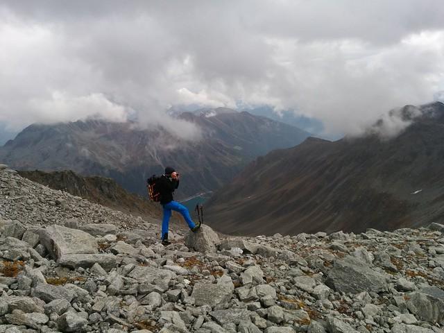 Blick zum Neves Stausee, Aufstieg Hoher Weißzint