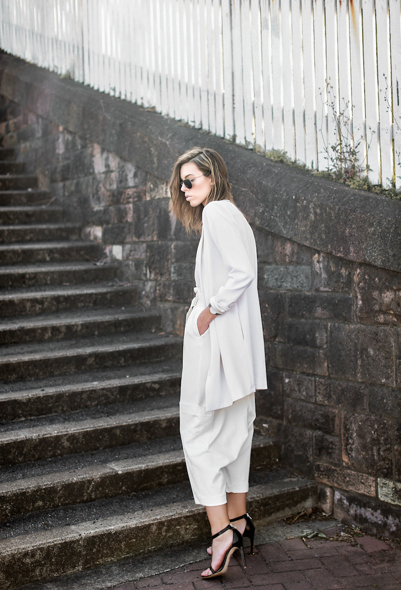 modern legacy fashion blog street style all white suit Bassike slouch pants T Bar Mode Collective heels muscle tank work office wear (7 of 11)